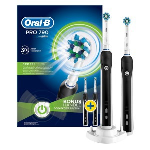 Oral-B D16.524.UHX Pro 790 Cross Action elektromos fogkefe fekete